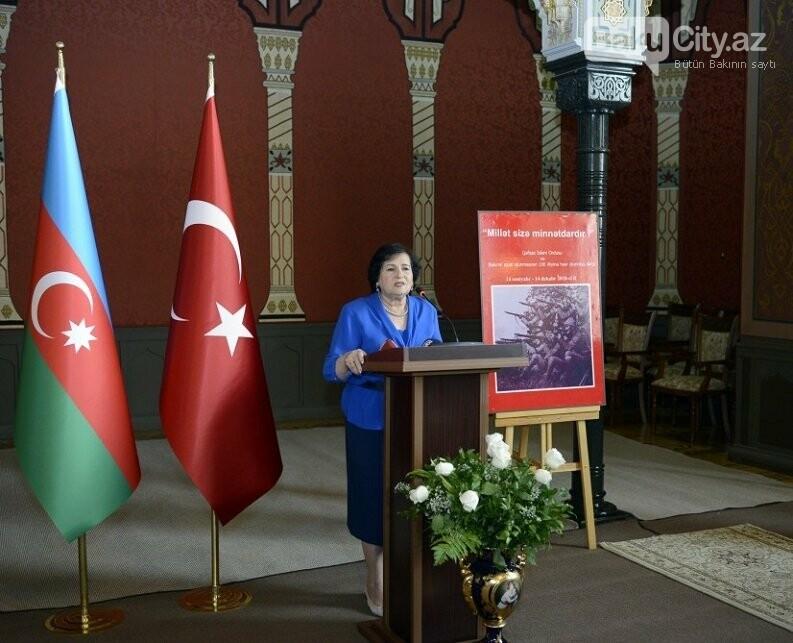 """Bakının azadlığına həsr edilmiş sərgi - """"Millət sizə minnətdardır"""", fotoşəkil-17"""