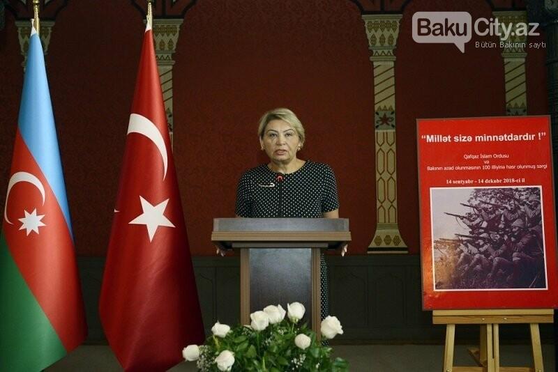 """Bakının azadlığına həsr edilmiş sərgi - """"Millət sizə minnətdardır"""", fotoşəkil-7"""