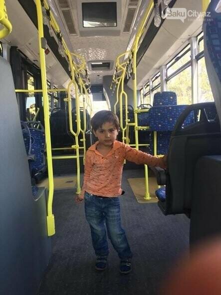Bakıda avtobusda uşaq tapıldı, fotoşəkil-1