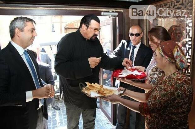Bakının məşhur restoranı sökülür - FOTO, fotoşəkil-1