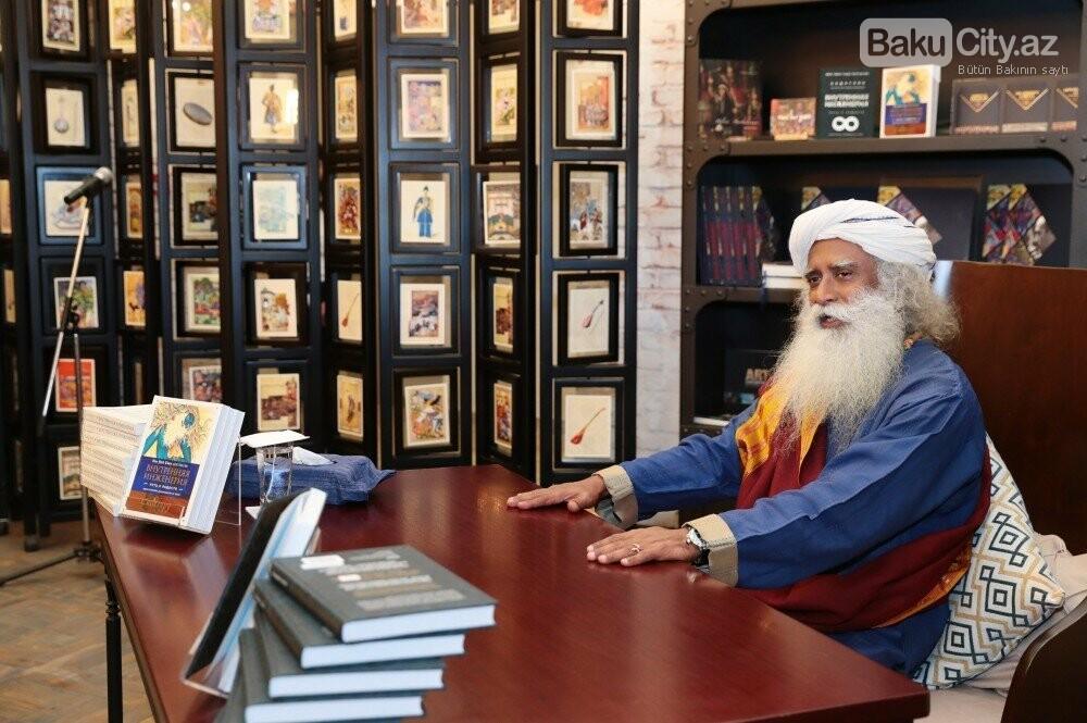 Hindistanlı mistikin Bakıda kitabı təqdim  edildi - Fotolar, fotoşəkil-7