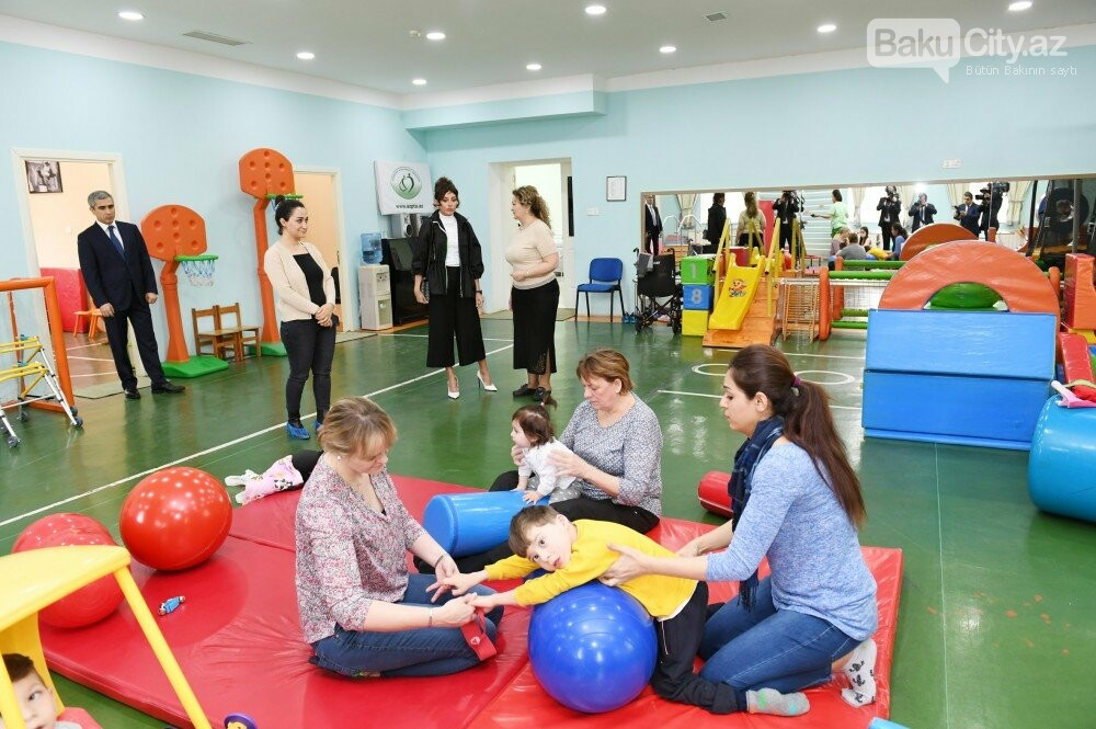 Mehriban Əliyeva Bakıda uşaq mərkəzində olub - FOTO, fotoşəkil-5