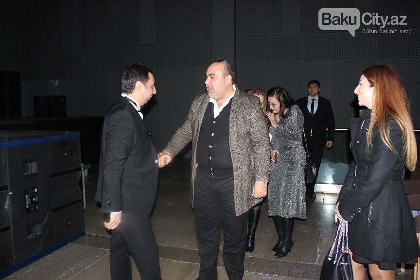 """Bakıda """"Çat Kapı aşk"""" filminin qala gecəsi keçirildi - FOTOREPORTAJ, fotoşəkil-40"""