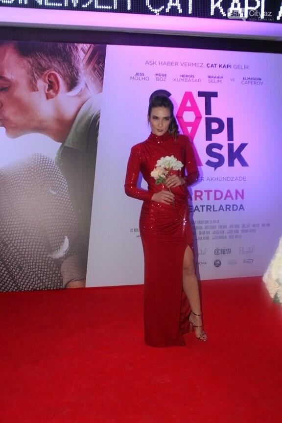 """Bakıda """"Çat Kapı aşk"""" filminin qala gecəsi keçirildi - FOTOREPORTAJ, fotoşəkil-42"""