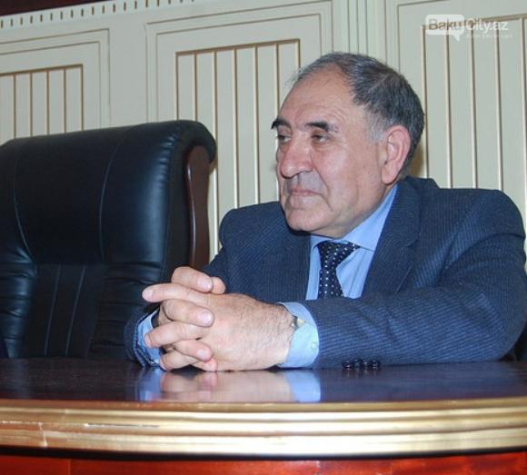 Bakı Dövlət Universitetinin rektorunun müşaviri işdən çıxarıldı - FOTO, fotoşəkil-1