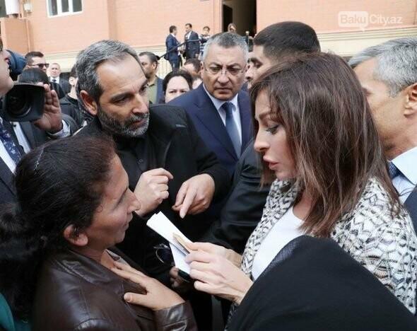 Mehriban Əliyeva Bakıda  köçkünlərlə görüşüb - VİDEO / FOTO, fotoşəkil-13