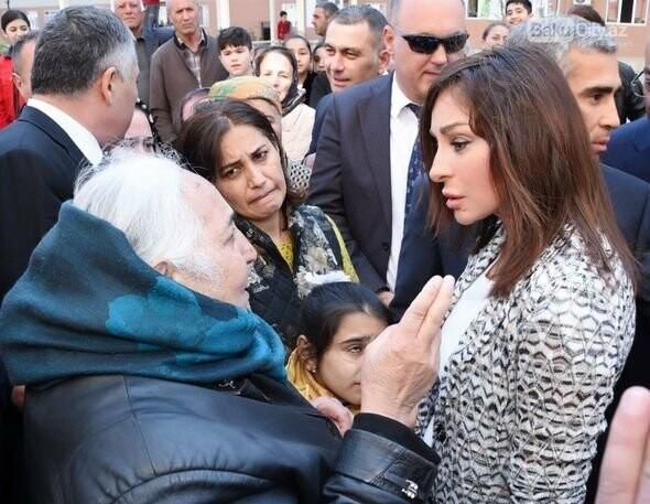 Mehriban Əliyeva Bakıda  köçkünlərlə görüşüb - VİDEO / FOTO, fotoşəkil-20
