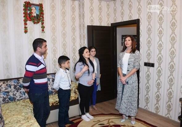 Mehriban Əliyeva Bakıda  köçkünlərlə görüşüb - VİDEO / FOTO, fotoşəkil-16
