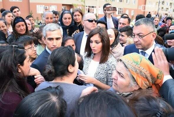 Mehriban Əliyeva Bakıda  köçkünlərlə görüşüb - VİDEO / FOTO, fotoşəkil-22