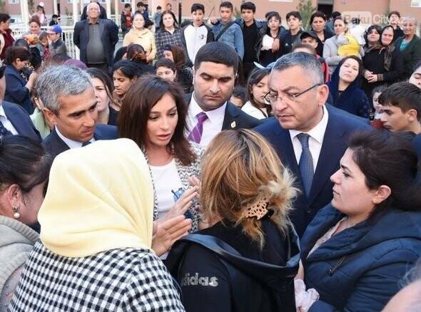 Mehriban Əliyeva Bakıda  köçkünlərlə görüşüb - VİDEO / FOTO, fotoşəkil-23