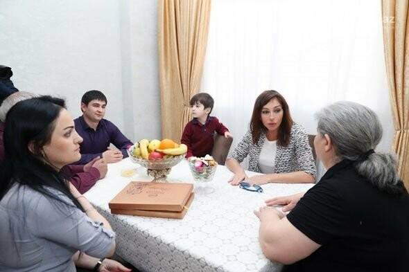Mehriban Əliyeva Bakıda  köçkünlərlə görüşüb - VİDEO / FOTO, fotoşəkil-28