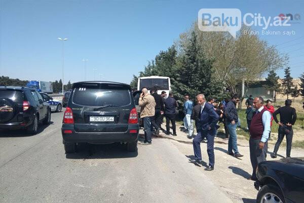 Bakı-Sumqayıt yolunda sərnişin avtobusu qəzaya uğrayıb - FOTO, fotoşəkil-2