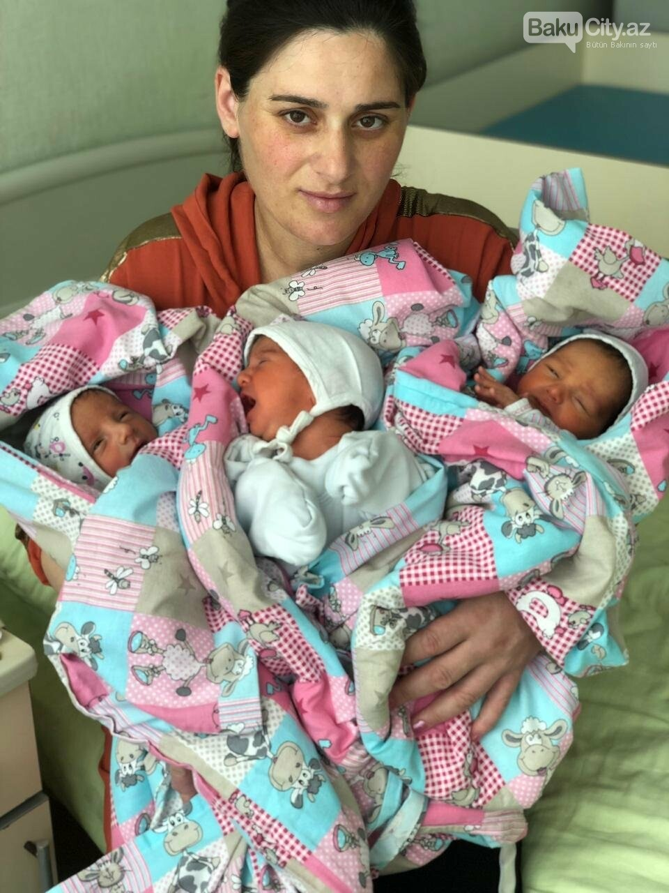 Bakıda üçəm doğuldu, üçü də oğlandır - FOTO, fotoşəkil-1