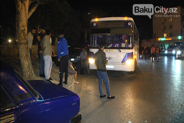 """Bakıda sərnişin avtobusu """"VAZ""""-la toqquşdu - FOTO, fotoşəkil-3"""