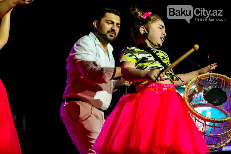 Məşhurlar Bakıda 9 yaşlı Zəhra üçün oxudular – FOTO, fotoşəkil-19