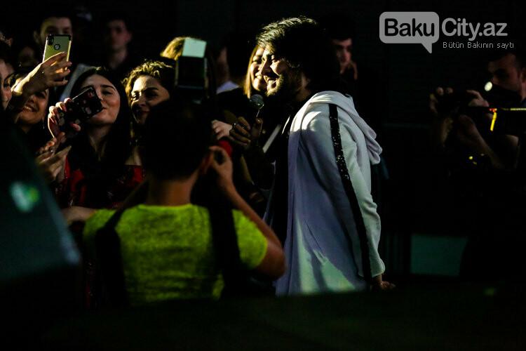 Məşhurlar Bakıda 9 yaşlı Zəhra üçün oxudular – FOTO, fotoşəkil-49