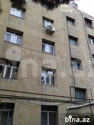 """Bakıdakı bu binada köhnə """"Mercedes"""" qiymətinə ev satılır - FOTO, fotoşəkil-3"""