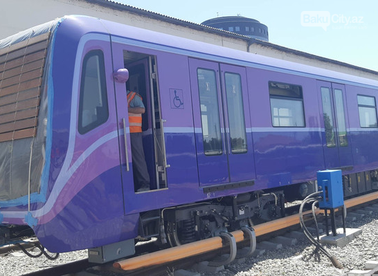 Sərnişinlər bundan sonra Bakı metrosunda bu qatarlarda gedəcək - FOTO, fotoşəkil-3