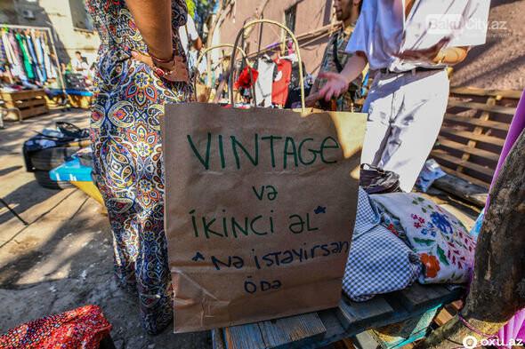 """Bakıda """"bit bazarı""""nda ikinci əl əşyalar satıldı - FOTO, fotoşəkil-13"""