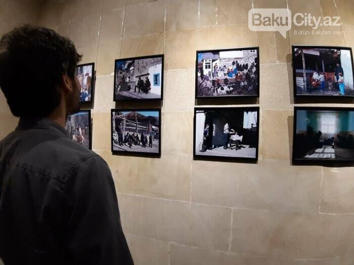 """Bakıda """"11 GÜN"""" fotosərgisi açıldı: Şaxta babalara dəstək olun - FOTO, fotoşəkil-13"""