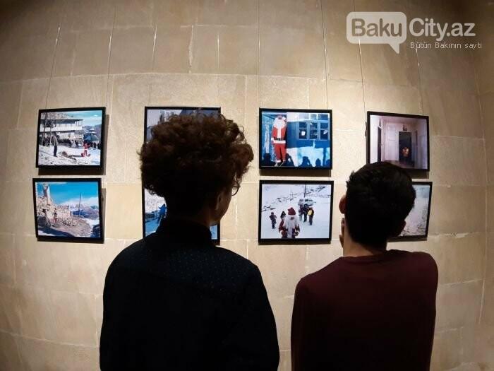 """Bakıda """"11 GÜN"""" fotosərgisi açıldı: Şaxta babalara dəstək olun - FOTO, fotoşəkil-1"""