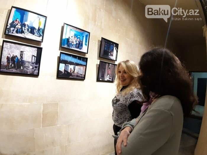 """Bakıda """"11 GÜN"""" fotosərgisi açıldı: Şaxta babalara dəstək olun - FOTO, fotoşəkil-5"""