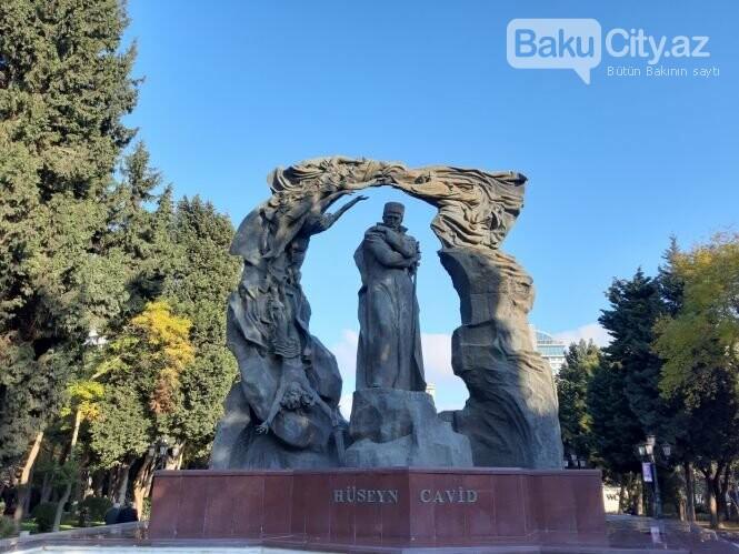 Hüseyn Cavidin heykəli: Ana və İblis, qızılgüllərə sevgi - FOTO, fotoşəkil-1
