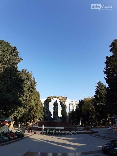 Hüseyn Cavidin heykəli: Ana və İblis, qızılgüllərə sevgi - FOTO, fotoşəkil-8