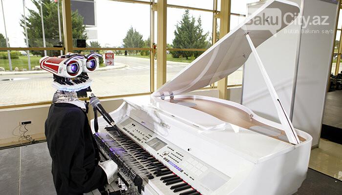 """Robot rəssam, pianoçu və balıqlar paytaxtda: """"Bakutel"""" sərgisi davam edir - FOTO, fotoşəkil-10"""
