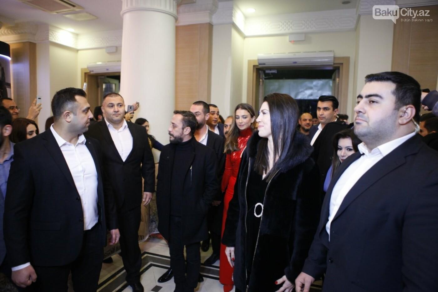 """Türk aktyorlar Bakı tamaşaçılarını güldürdü: """"Aman reis duymasın"""" - FOTO + VİDEO, fotoşəkil-1"""