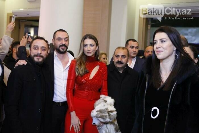 """Türk aktyorlar Bakı tamaşaçılarını güldürdü: """"Aman reis duymasın"""" - FOTO + VİDEO, fotoşəkil-3"""