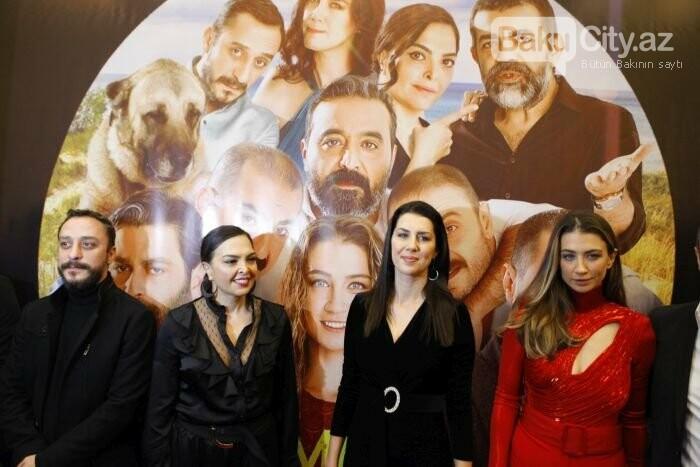 """Türk aktyorlar Bakı tamaşaçılarını güldürdü: """"Aman reis duymasın"""" - FOTO + VİDEO, fotoşəkil-4"""