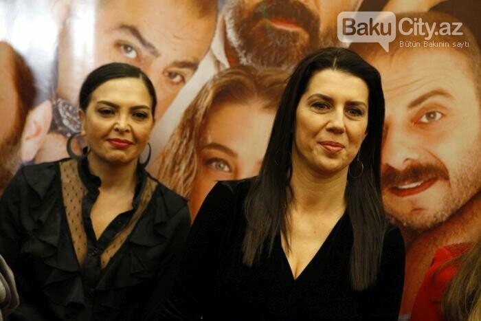 """Türk aktyorlar Bakı tamaşaçılarını güldürdü: """"Aman reis duymasın"""" - FOTO + VİDEO, fotoşəkil-8"""