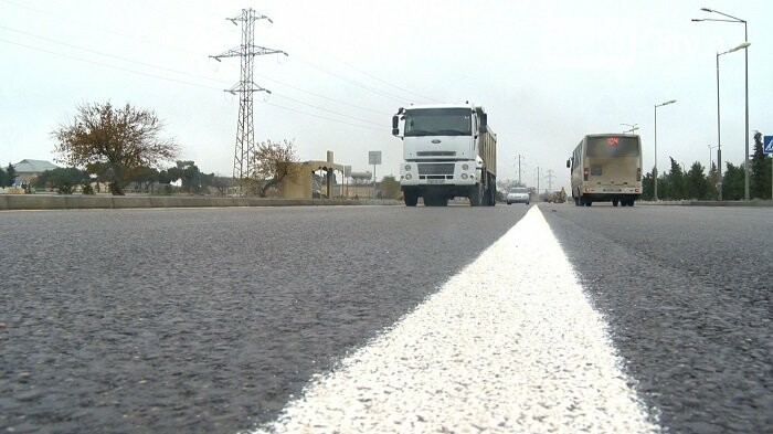 Bakının bu ərazilərində 17,9 kilometr yol təmir edilir - FOTO, fotoşəkil-16