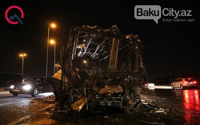 Aeroport yolunda avtobus partladı - FOTO / VİDEO, fotoşəkil-2