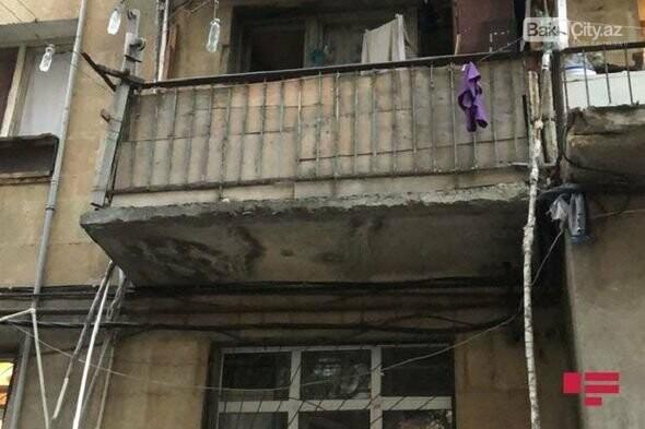 Bakıda gənc qız eyvandan yıxılıb öldü - FOTO, fotoşəkil-1