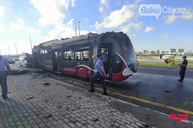 Bakıda sərnişin  avtobusu yandı - FOTO / VİDEO, fotoşəkil-2