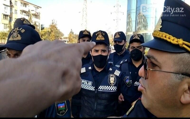 Bakıda keçirilən aksiyada polis jurnalistə ciddi ziyan vurub - FOTO, fotoşəkil-2