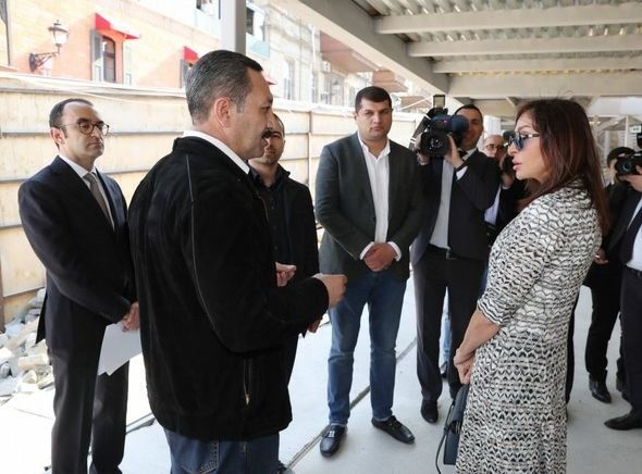 Mehriban Əliyeva Qala divarları olan əraziyə gəlib - VİDEO, fotoşəkil-5