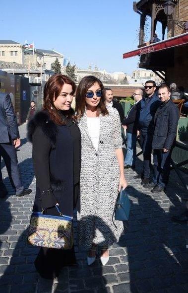 Mehriban Əliyeva Qala divarları olan əraziyə gəlib - VİDEO, fotoşəkil-2