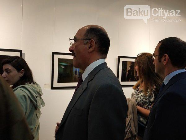 """Bakıda """"ADLAR"""" adlı fotosərgi açıldı - FOTO, fotoşəkil-2"""