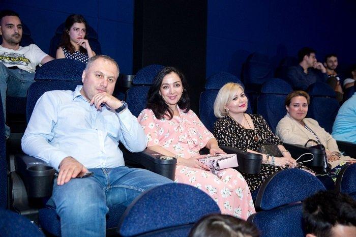 Fransız komediyası Bakıda Azərbaycan dilində nümayiş olundu - FOTO, fotoşəkil-13
