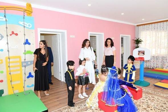 Mehriban Əliyeva uşaq bağçalarının açılışlarında iştirak edib - FOTO, fotoşəkil-3