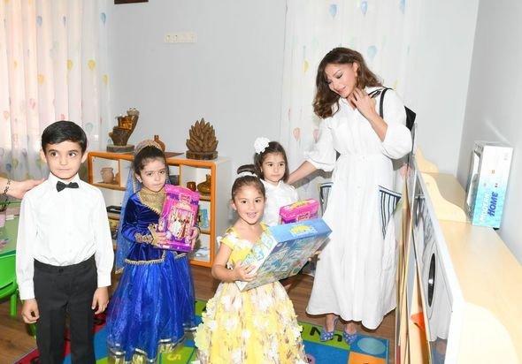 Mehriban Əliyeva uşaq bağçalarının açılışlarında iştirak edib - FOTO, fotoşəkil-8