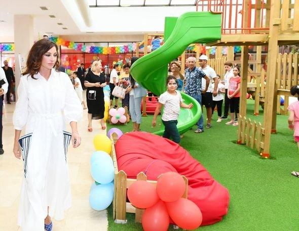 Mehriban Əliyeva uşaq bağçalarının açılışlarında iştirak edib - FOTO, fotoşəkil-10