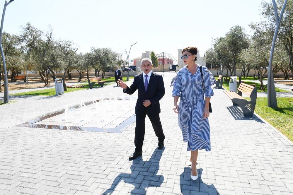 Mehriban Əliyeva Bakıda yeni yaradılan istirahət parkında - FOTO, fotoşəkil-2