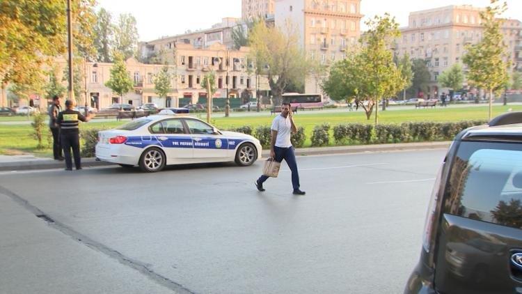 """Yol polisi Bakıda """"kamikadze piyadalara"""" qarşı mübarizəyə başladı - FOTO, fotoşəkil-8"""