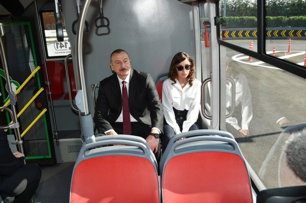 İlham Əliyev və Birinci xanım Bakıda açılışda - FOTO, fotoşəkil-11