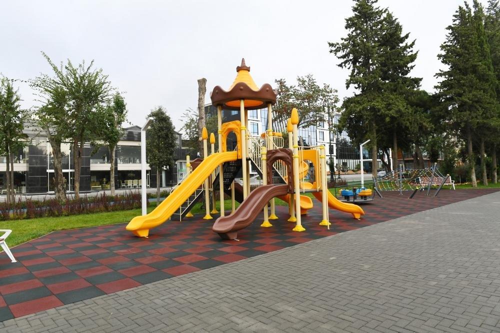 İlham Əliyev və Birinci xanım Bakıda parkda - FOTO, fotoşəkil-19