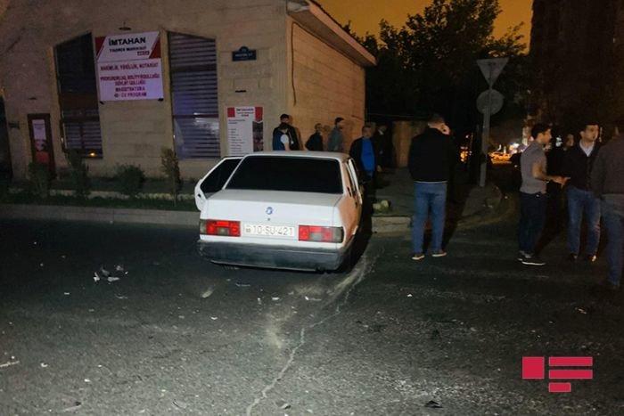 Bakıda sənədsiz sürücü qırmızı işıqdan keçdi, qəza törətdi - FOTO + VİDEO, fotoşəkil-2